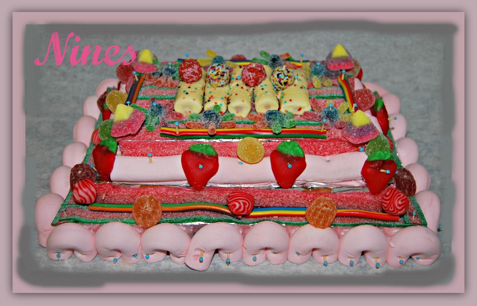 El rinconcito de nines tarta de chuches for Envolver brochetas de chuches