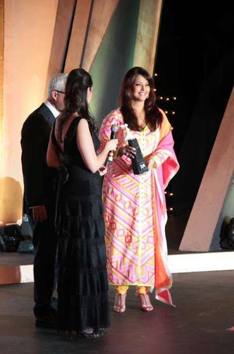 aishwarya rai at the loreal paris femina awards