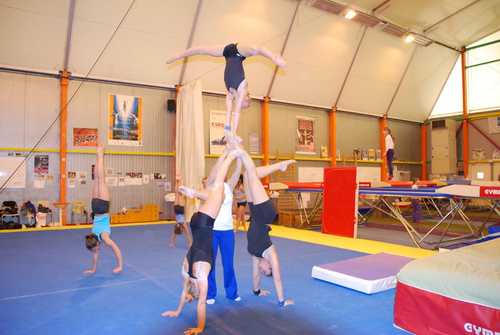 Trio dans les photos de gym