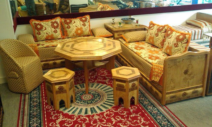salon marocain bordeaux gallery of decoration cuisine. Black Bedroom Furniture Sets. Home Design Ideas