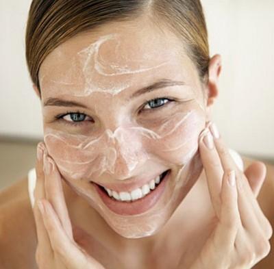 Le cattive abitudini nella cura della pelle da abbandonare subito