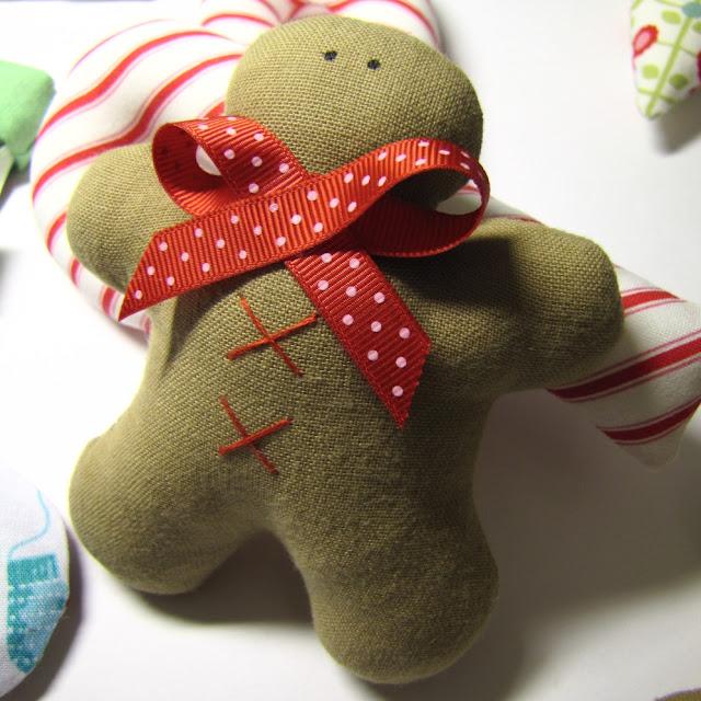 Сшить игрушку из ткани на елку своими руками 23