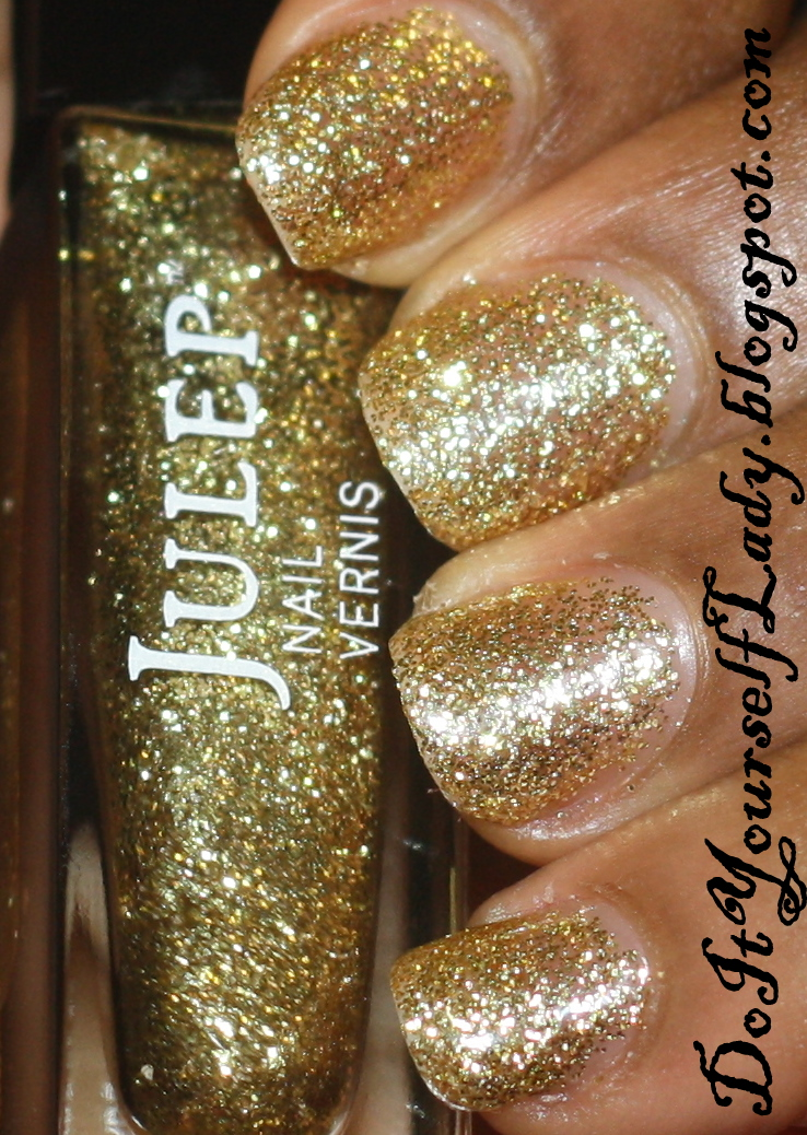 The Do It Yourself Lady: Julep Oscar Swatch + Nail Art