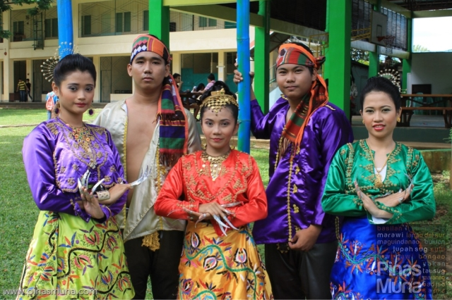 Pangalay Dancers from Jolo, Sulu