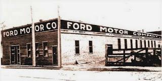 Ford Motor Company en la avenida Mack de Detroit