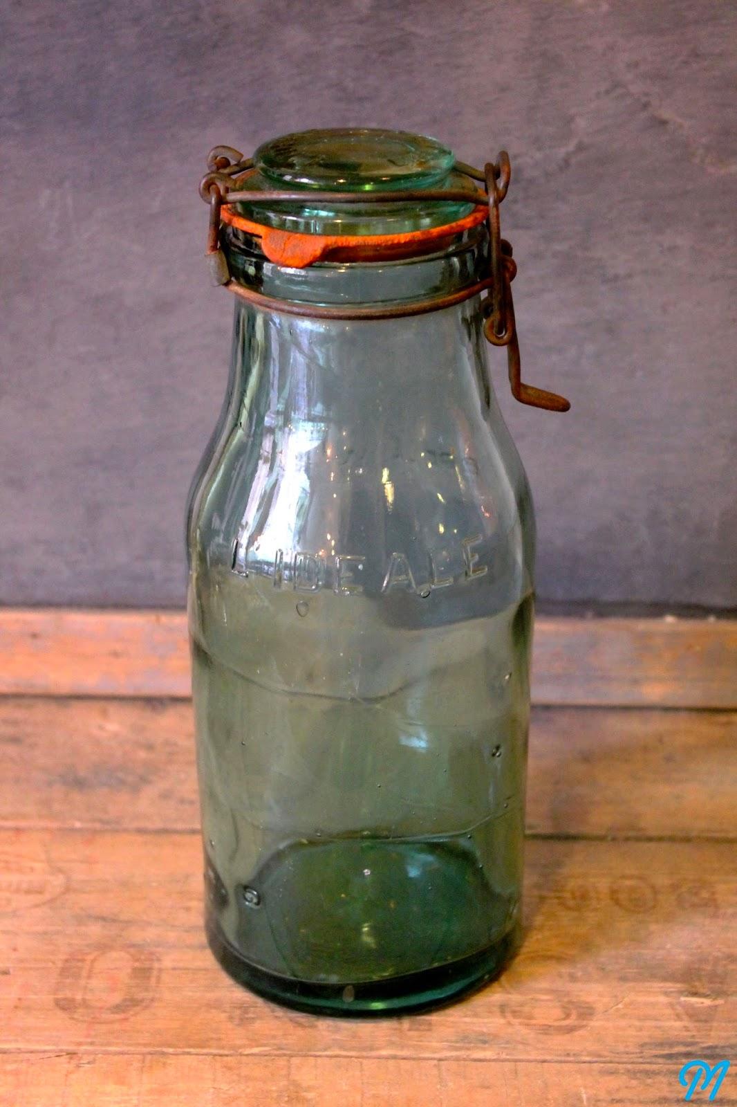 Bouteilles anciennes moules de chocolatier tampons d 39 colier marinette vintage blog for Decoration bocal en verre