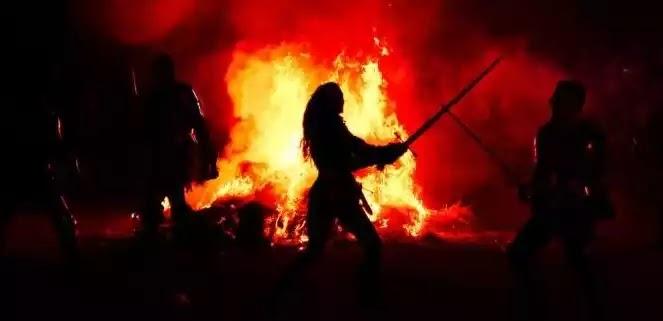 Πώς βγήκε η φράση «διά πυρός και σιδήρου»