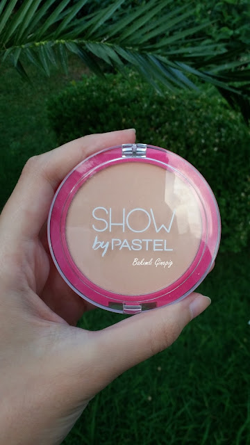 show by pastel