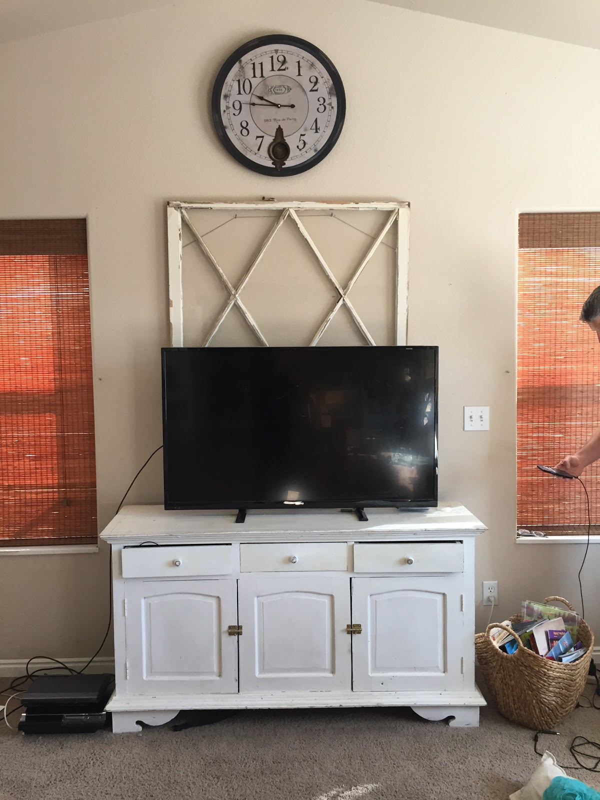 Before Wall Art Sunburst Tutorial- Big Look for Little money, True Value Hardware, The Style Sisters
