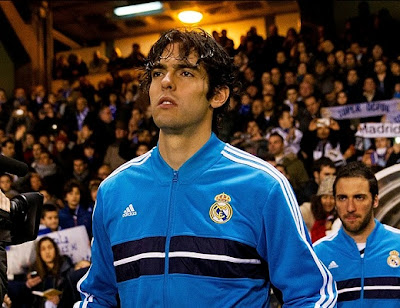 Kaka with the new Real Madrid training jersey Blue