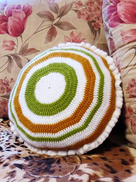 Вязание крючком круглые подушки 44
