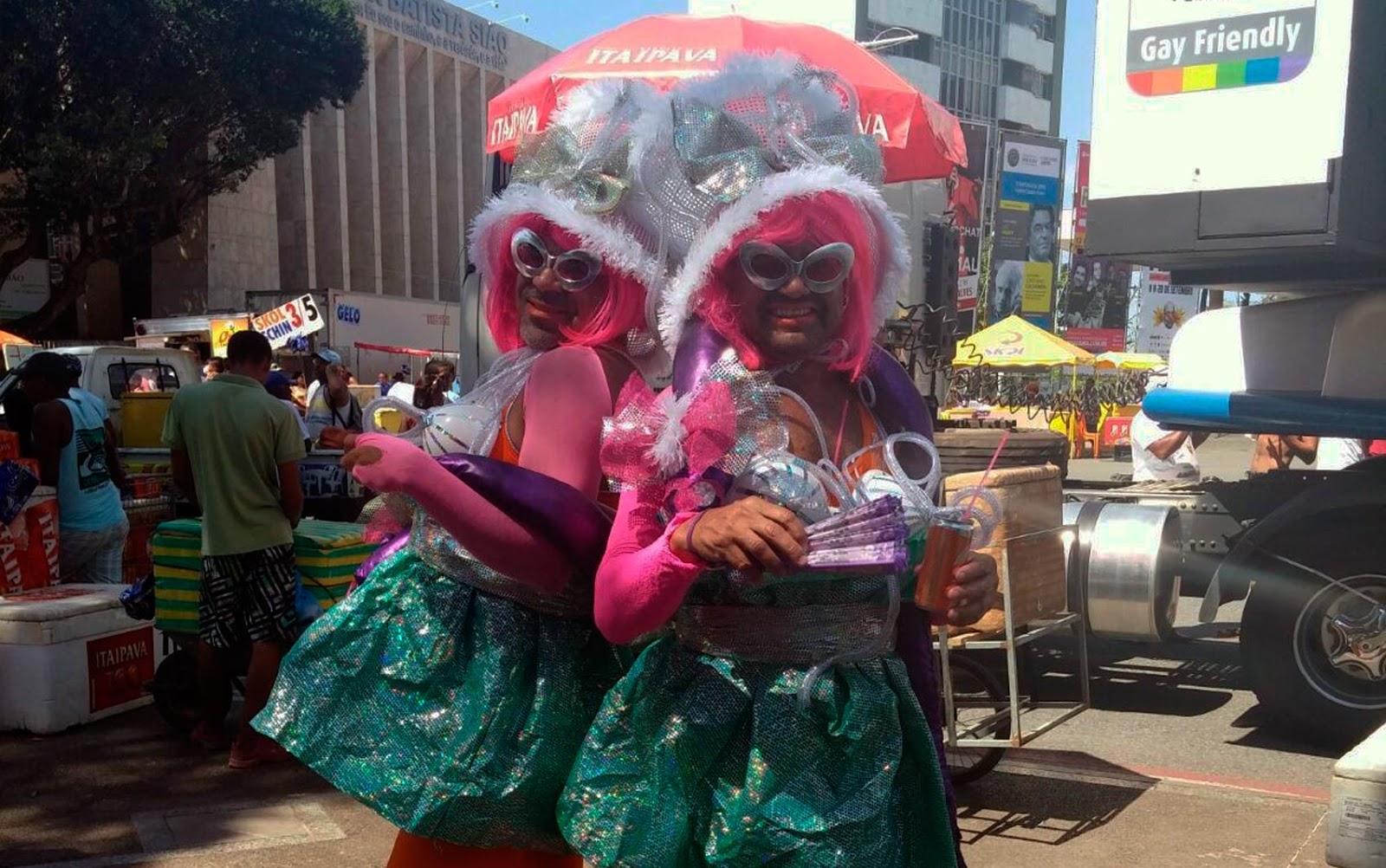 Confira imagens da 14ª Parada do Orgulho LGBT da Bahia