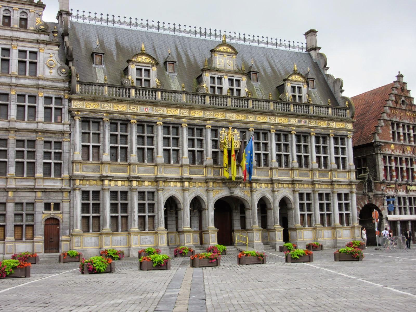 Rathaus in Tournai