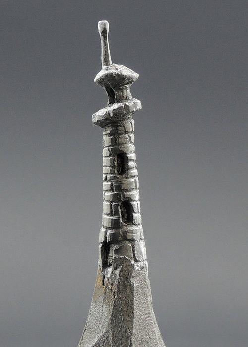 06-Fairytale-Tower-Jasenko-Đorđević-Miniature-Sculptures-in-Pencil-Graphite-Lead-www-designstack-co