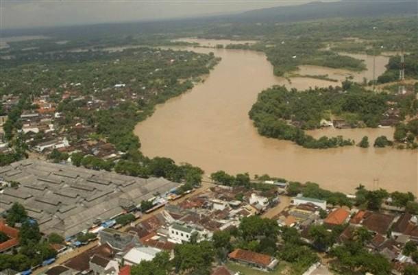 11 Tewas dan 22.830 Rumah  Terendam Banjir di Bengawan Solo