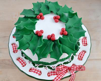 Christmas Cake Decorating Ideas Waitrose : Beki Cook s Cake Blog: Easy Christmas Wreath Cake