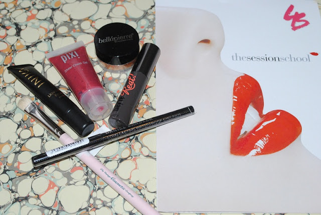 latest+in+beauty+complexion+perfection+kit