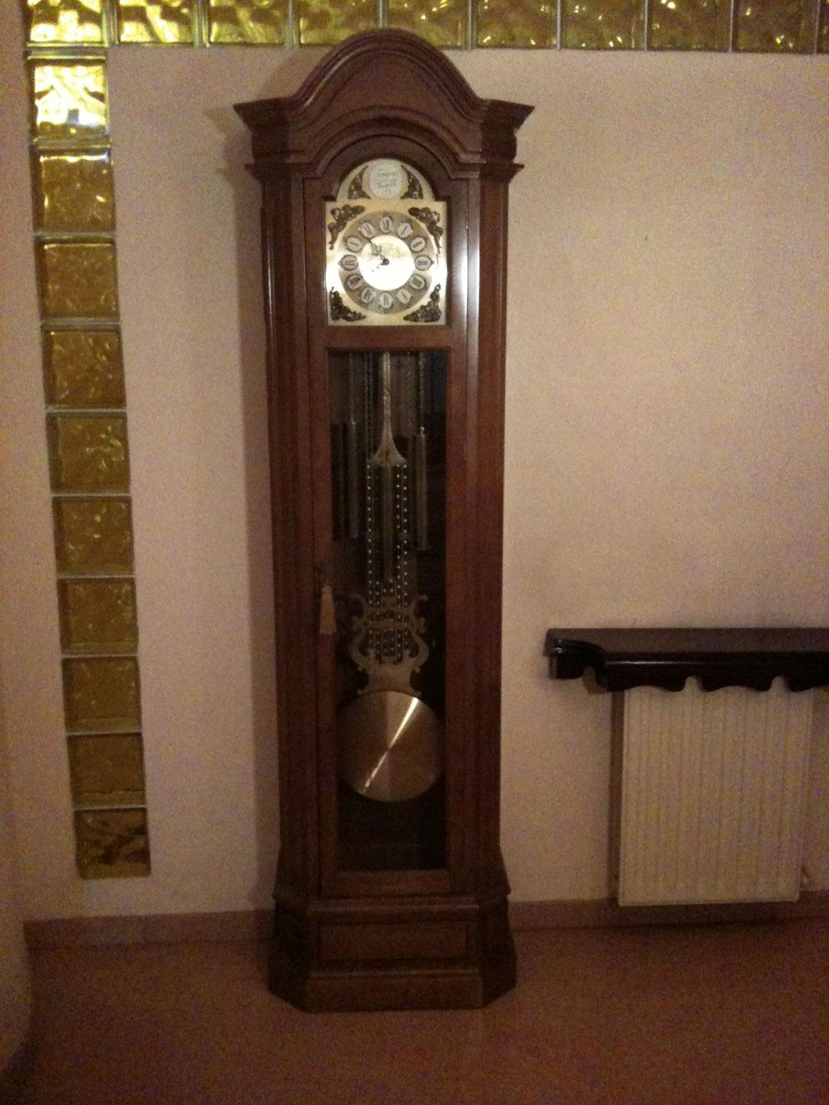 Muebles en venta procedentes de herencia reloj de pie - Muebles herencia ...