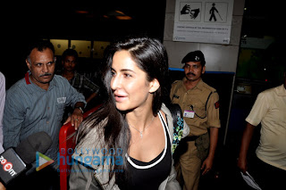 Hrithik Roshan & Katrina Kaif leave for London