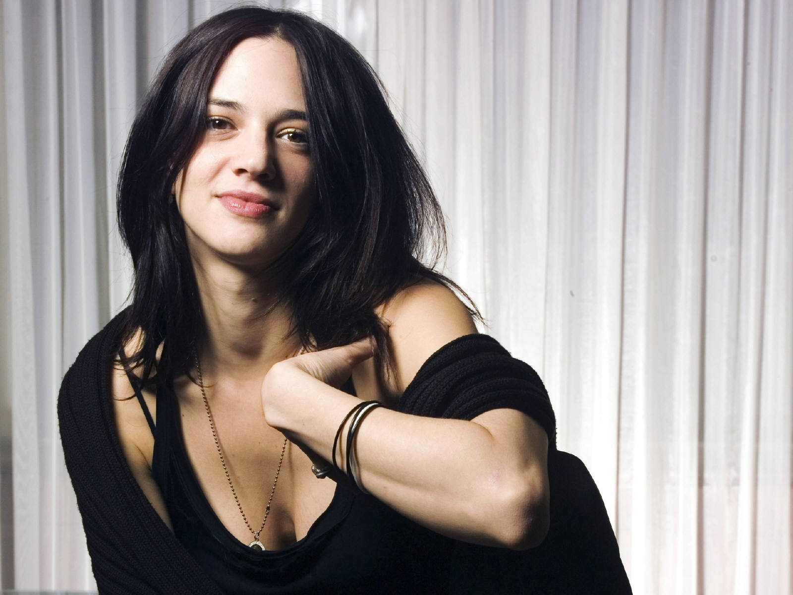 Asia Argento Hot HD Wallpapers | Out Standing Wallpapers