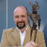 Carlos Sisí, ganador del premio Minotauro 2013, presenta Panteón en Sevilla