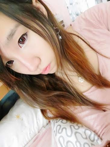 Kimchi Mio Pink colored contacts