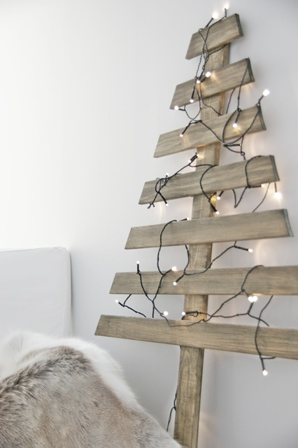 my scandinavian home: Guest post: DIY Christmas Tree