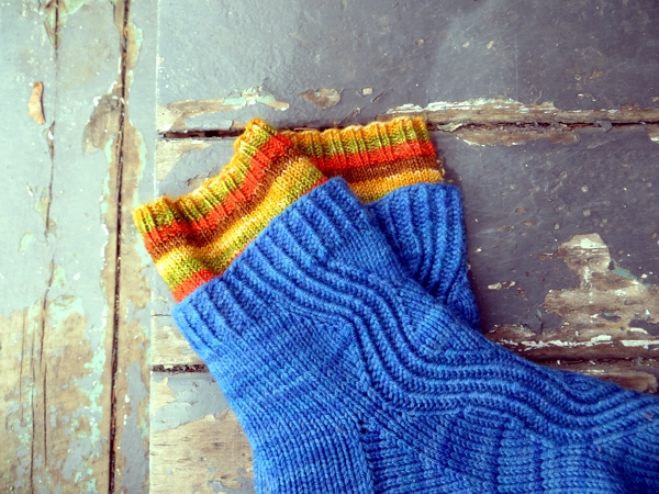 handknit socks, blue and orange