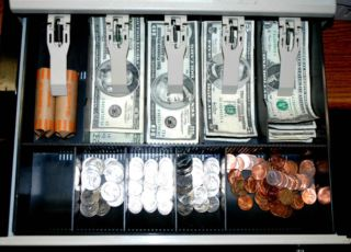 How To Set Up A Cash Drawer