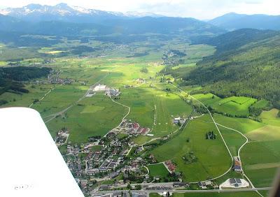 La Vall i l'Aeròdrom de Maunterndorf. Punt de trobada, Àustria