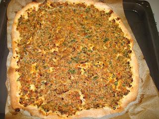 Lahmacun pizza turca