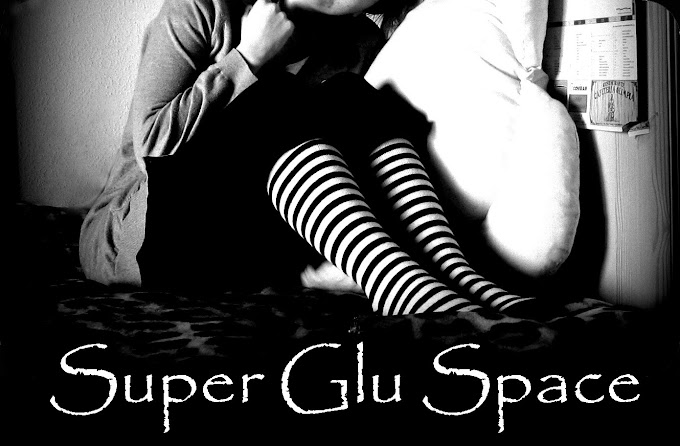Super Glu Space