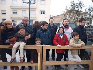Algunos asistentes a la jornada de matanza tipica en Ledrada