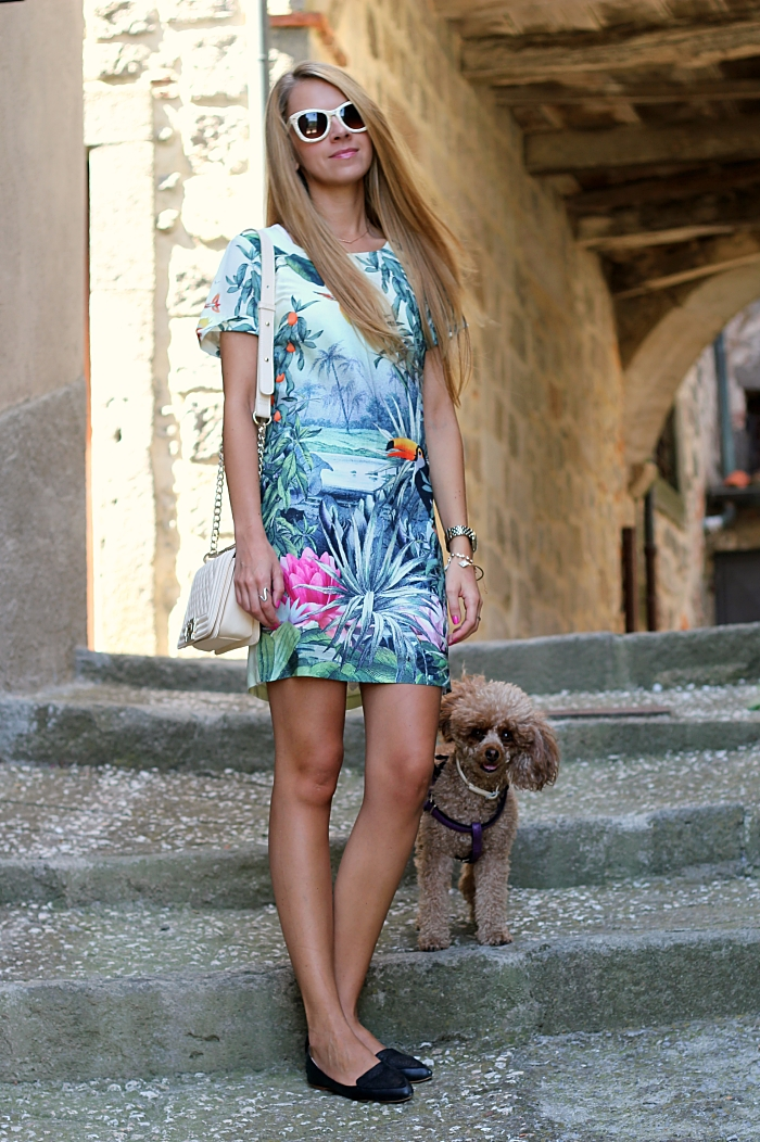 green dress, casual, traveling, Mango sunglasses, h&m flats, pastels