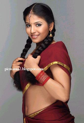 tamil actress ANJALI  hot navle pic in saree