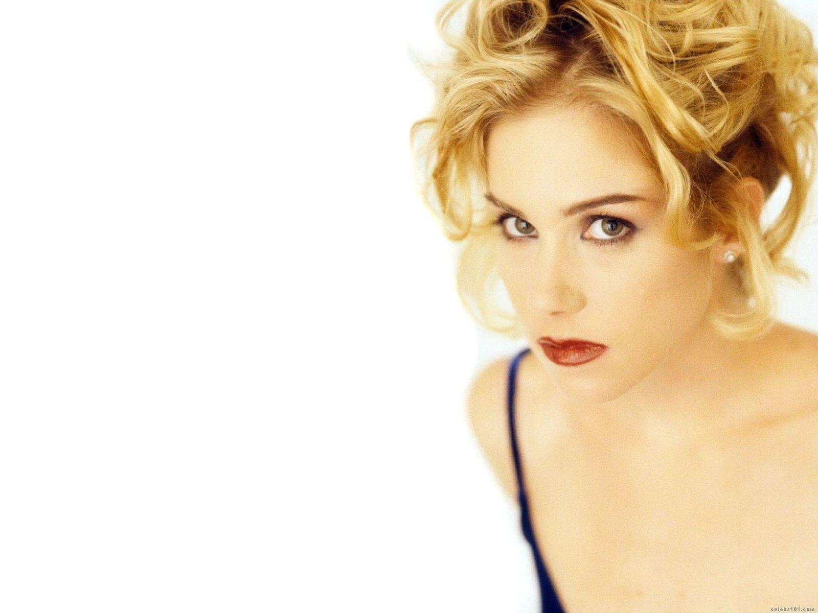 http://1.bp.blogspot.com/-V35KCaQ_8Vc/TbxT5OAhlRI/AAAAAAAAAGs/WbdEM5Mw364/s1600/Christina+Applegate.jpg
