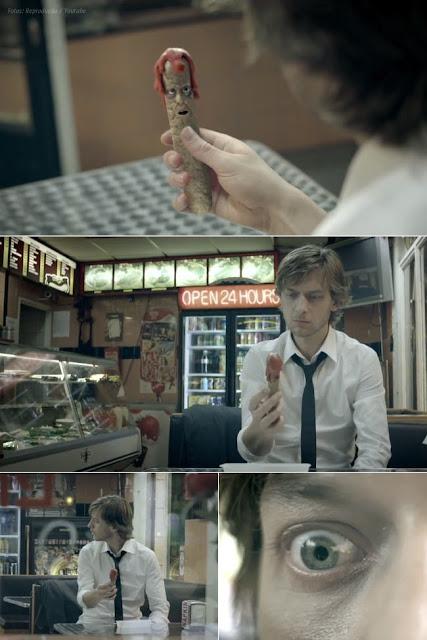 Em nova campanha publicitária, salsicha falante dá conselhos sobre os problemas do fast food