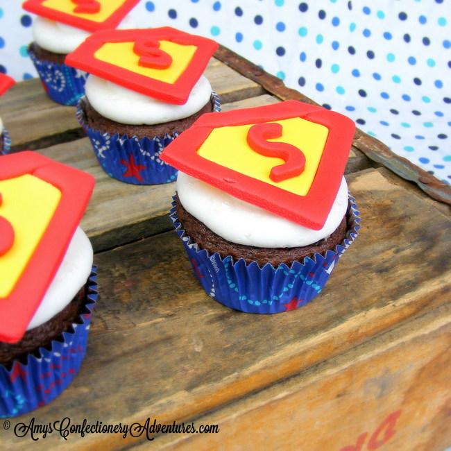 Amys Confectionery Adventures Superman Cupcakes