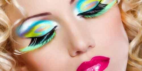Coloridos maquillajes de fantasia