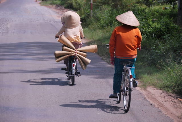 A passage to Vietnam village - Photo by An Bui