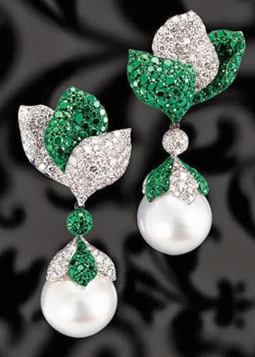 Pearl Diamond And Emeralds Ear Scales