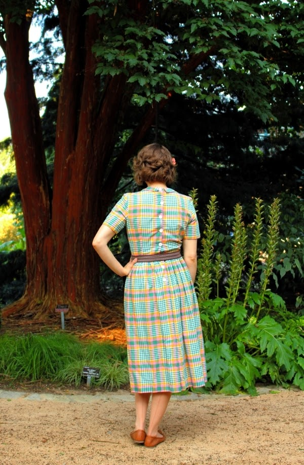 1950s Walk in the Park #vintage #fashion #retro