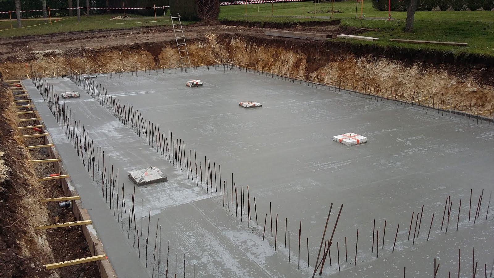 Entreprise de ma onnerie construction d 39 une piscine et for Construction piscine royan
