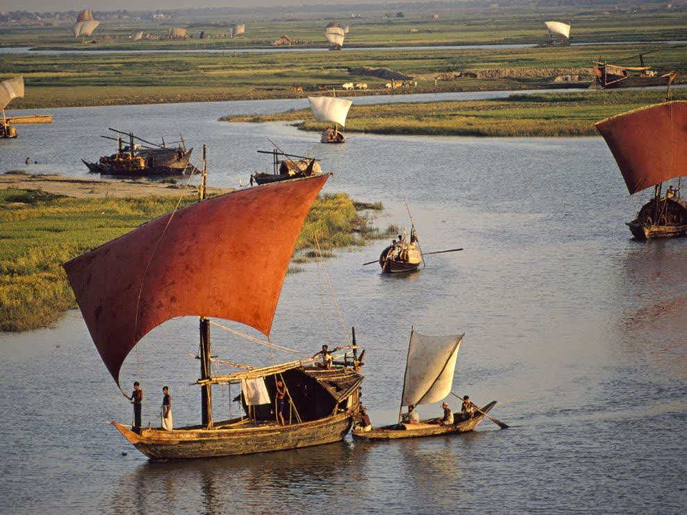 bangladesh is a country of rivers Bangladesh table of contents the rivers of bangladesh mark both the physiography of the nation and the life of the people about 700 in number, these rivers generally flow south.