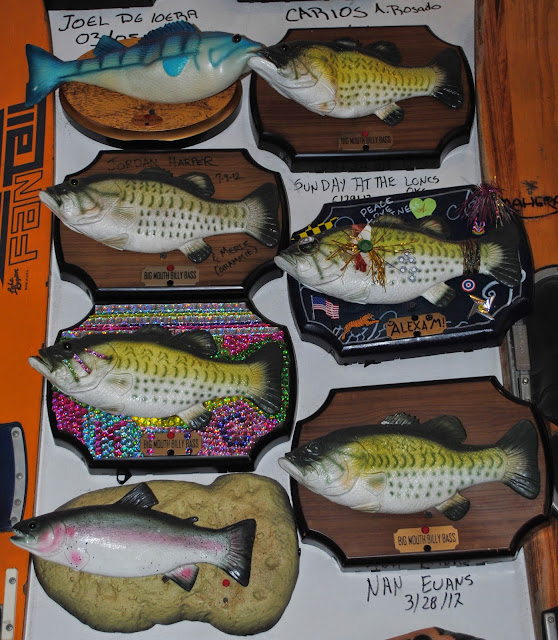 The carpetbagger billy bass adoption center for Billy bass fish