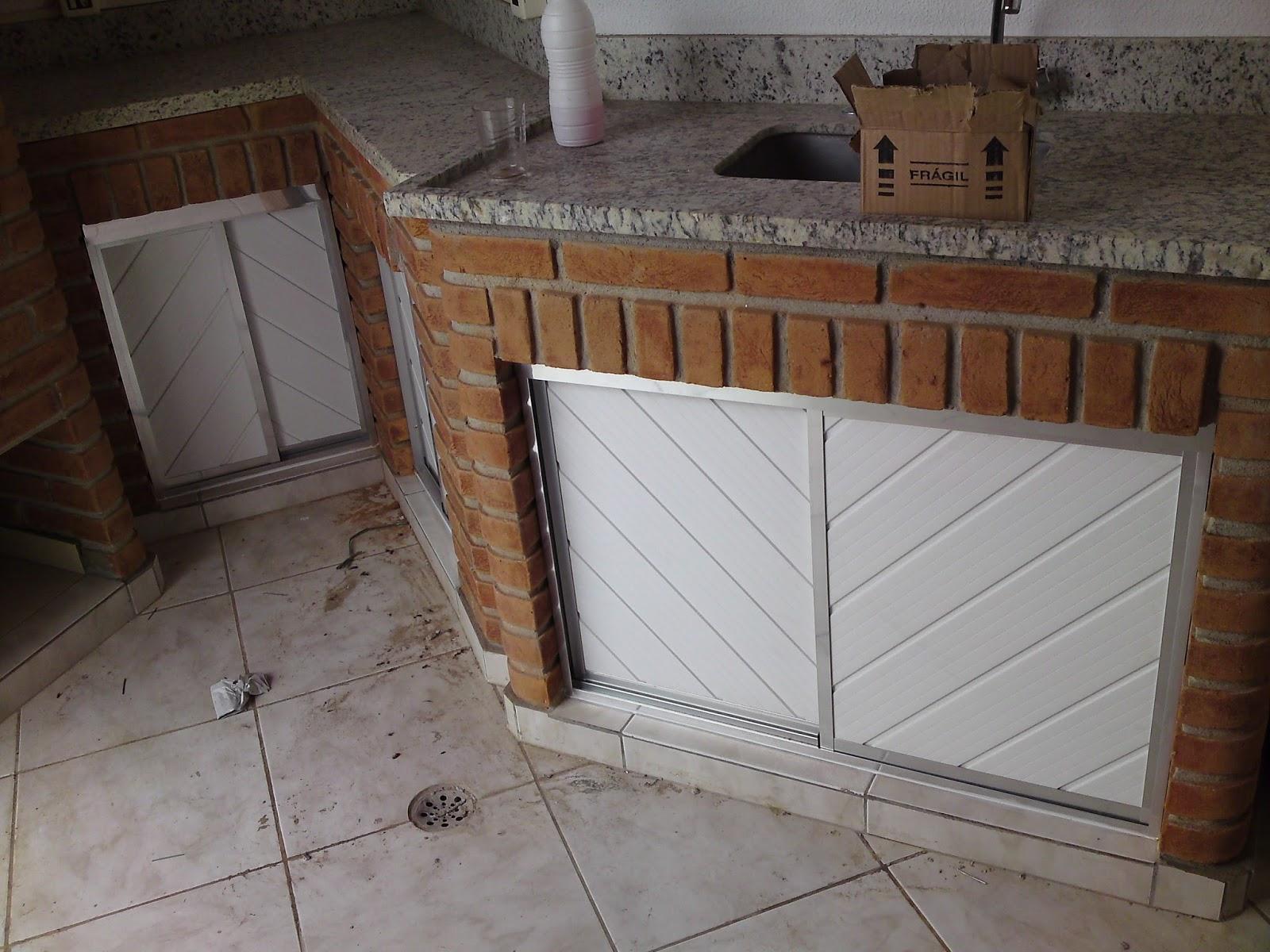 #63493A  de pia em PVC com alumínio ou Porta de alumínio em PVC (Metal Mari 672 Janelas Pvc Ou Aluminium