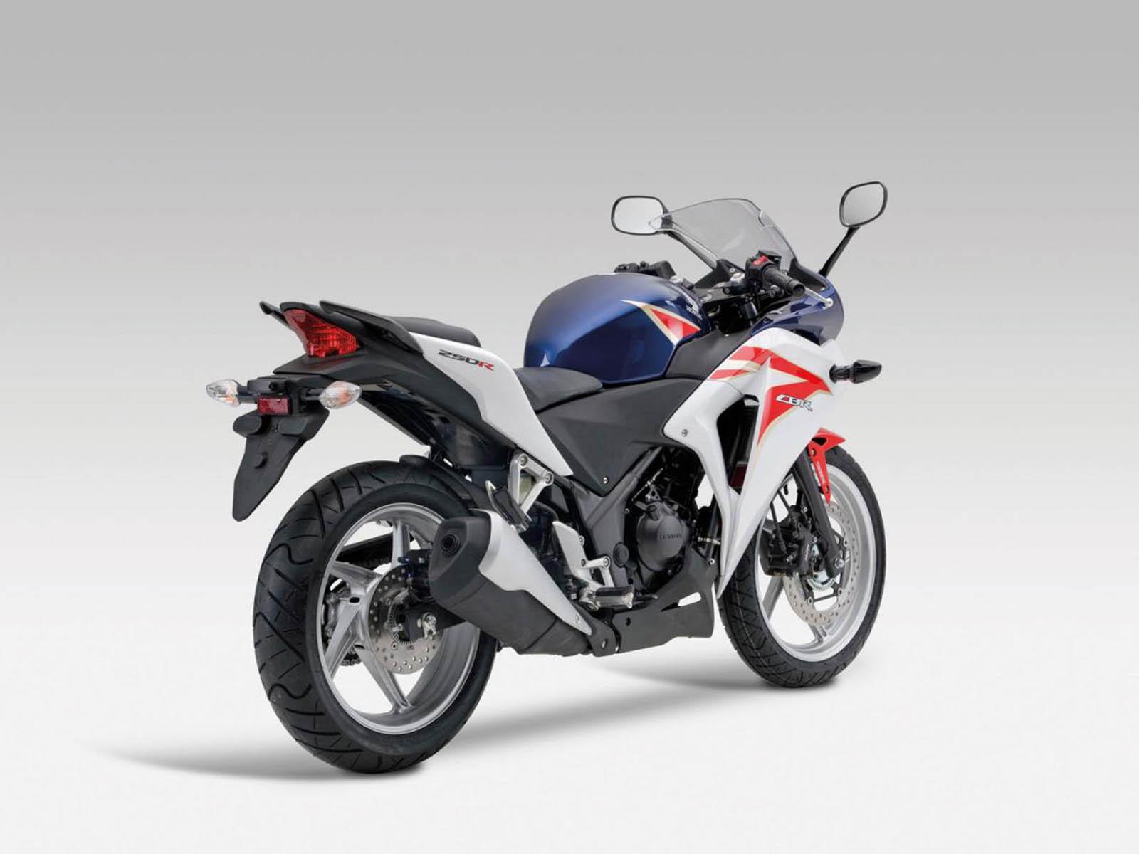 http://1.bp.blogspot.com/-V4D0yF6Mj9I/UBa84VdhlzI/AAAAAAAAG50/23pu2vEy--o/s1600/Honda+CBR+250R+Bike+Wallpapers.jpg