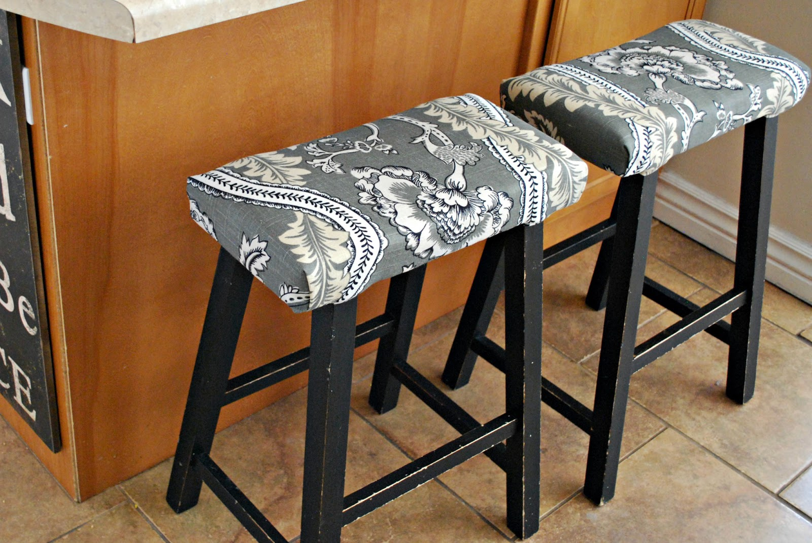 How to Upholster Barstools and Studio 5~ : kitchen bar stool covers - islam-shia.org