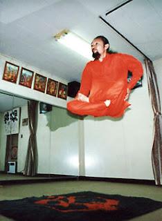 manusia terbang maskolis