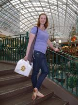 Mall Sierra Barefoot Girl